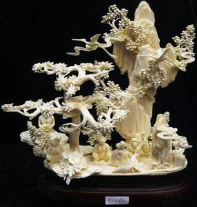 BONE CARVING MONKEYS MOUNTAIN