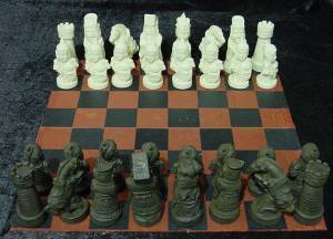 BONE CHESS SET (F2260)