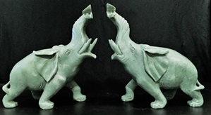 20 inch JADE ELEPHANTS MOUNTAIN (LH9B) ONLY $599.00 + S/H ELEPHANTS ARE MADE OF Chinese JADE IN CHINA. SIZE, L, 20, W, 7, H, 18 inch
