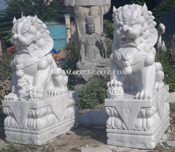white marble 5 ft Fudog carving sculpture