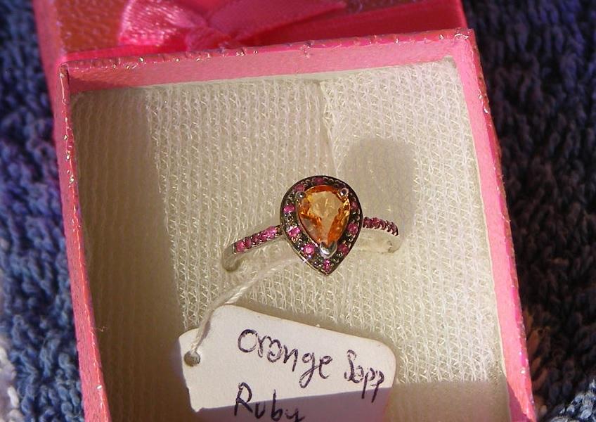 Yellow Sapphire  Price = $ 599.00. SIZE: 6.