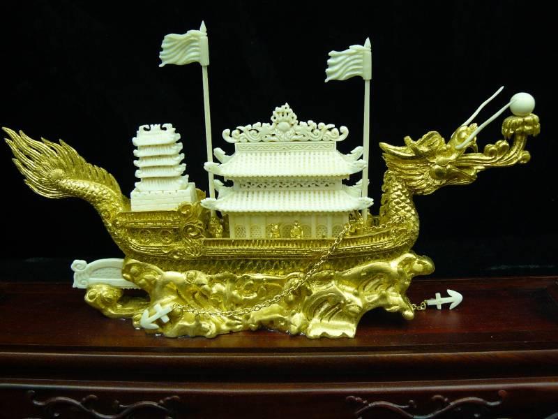 bone carving dragon boat