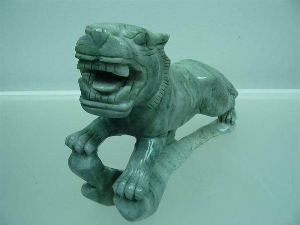 jade tiger carving