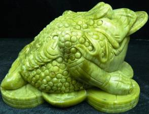 JADE LUCKY FROG W/COIN (LA10) Price = $ 279.99 + S/H