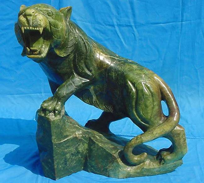 jade tiger statue carving