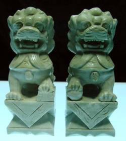 foodog a PAIR OF 8in GREEN JADE FU DOGS