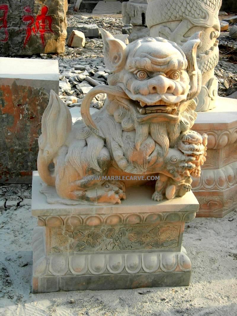 fudog statue carving