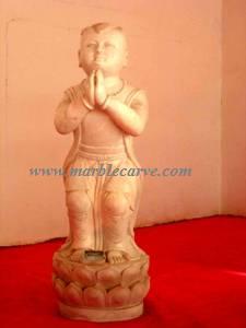 marble boy praying statue